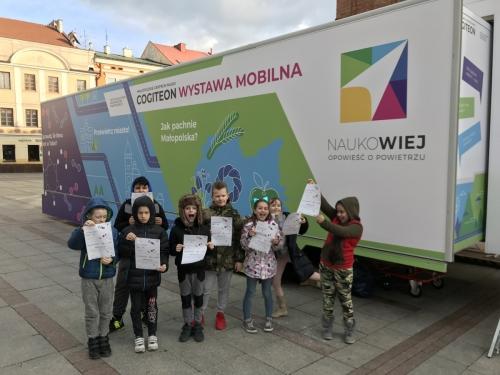 """Odwiedziliśmy wystawę mobilną """"Naukowiej"""" (14.02.2019)"""